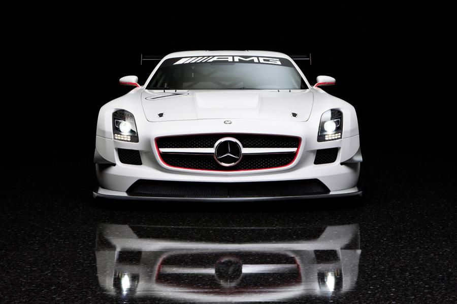 2011 Mercedes-Benz SLS AMG Photo 4 of 20