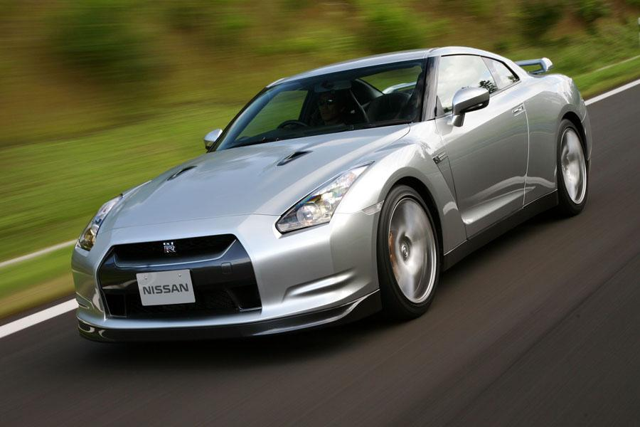 2011 Nissan GT-R Photo 1 of 22