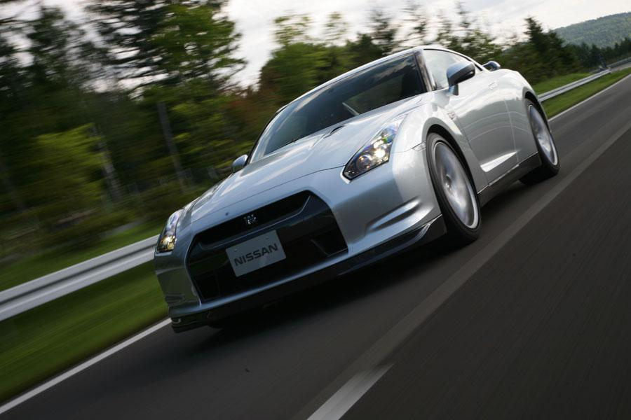 2011 Nissan GT-R Photo 5 of 22