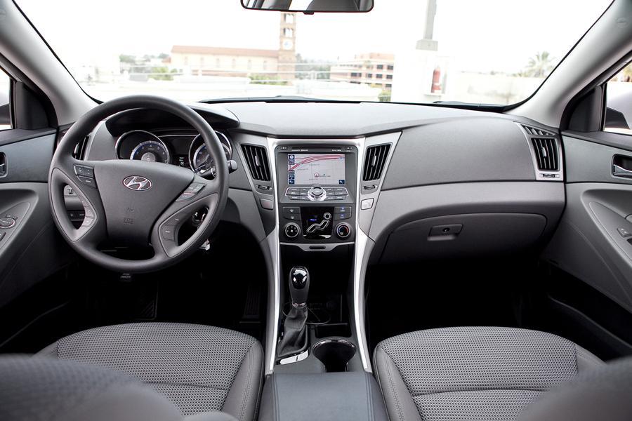 2006 Ford Fusion For Sale >> 2011 Hyundai Sonata Specs, Pictures, Trims, Colors    Cars.com