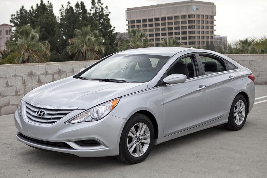 2011 Hyundai Sonata Specs Pictures Trims Colors Cars Com