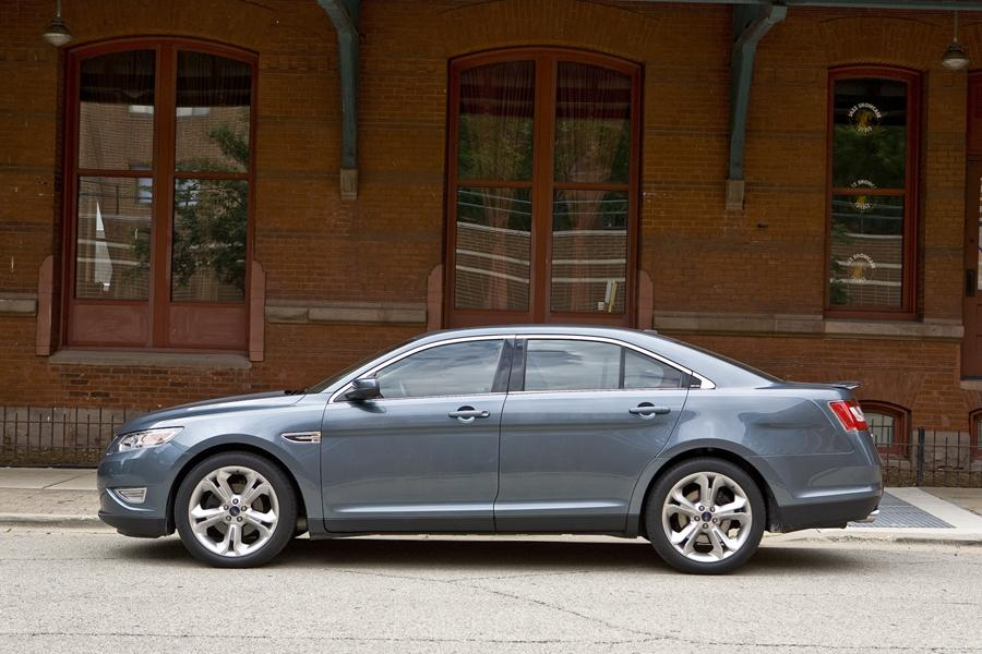 2011 Ford Taurus Photo 4 of 20