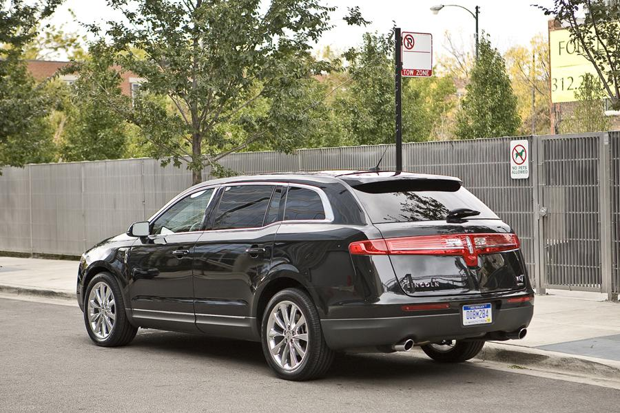 2011 Lincoln MKT Photo 4 of 20