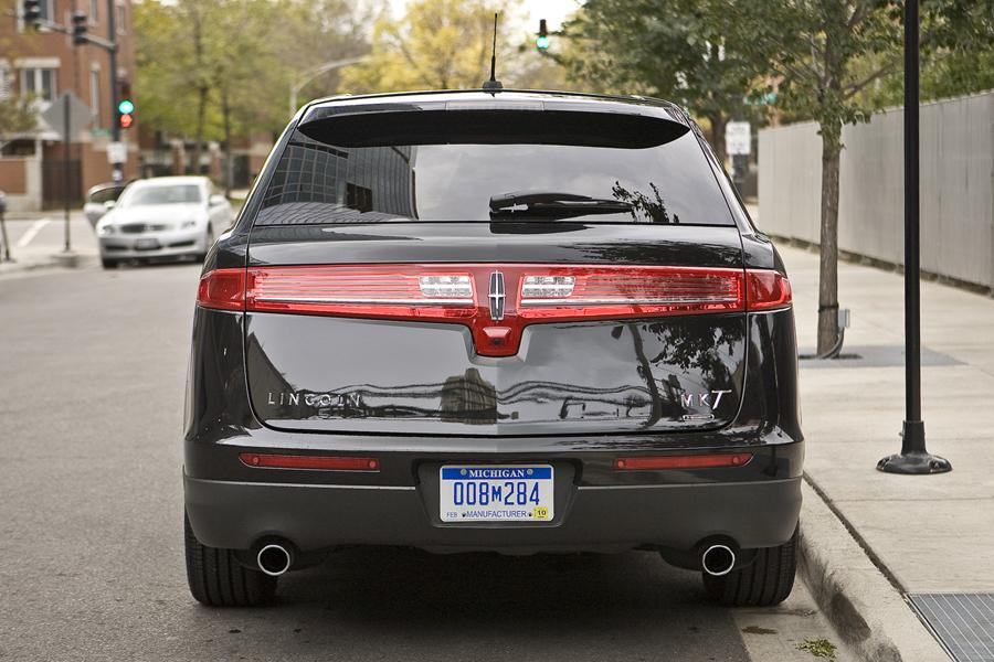 2011 Lincoln MKT Photo 5 of 20