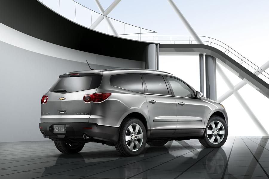 2011 Chevrolet Traverse Photo 2 of 20