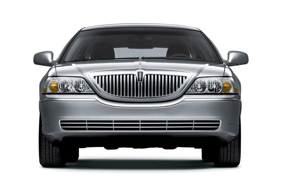 2011 Lincoln Town Car Photo 4 of 20