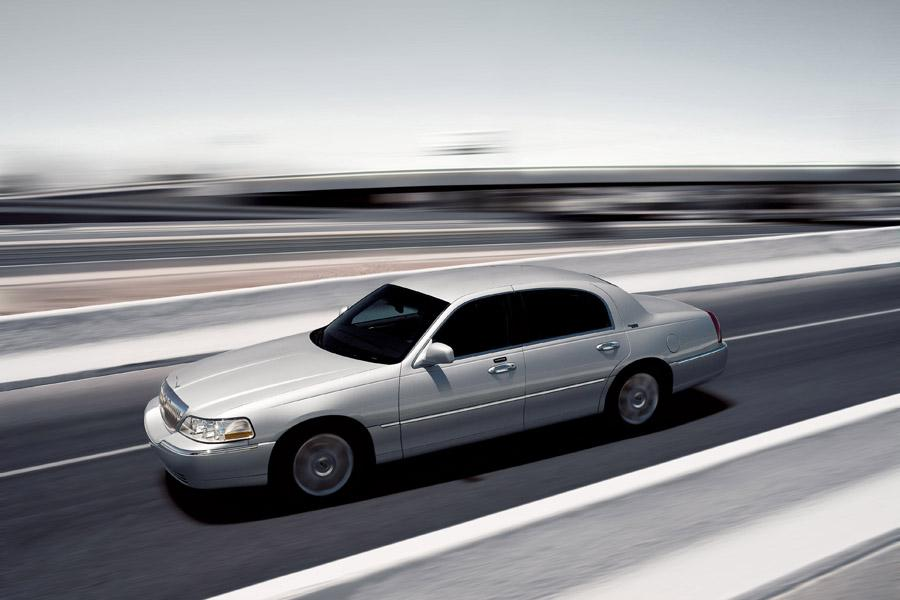 2011 Lincoln Town Car Photo 6 of 20