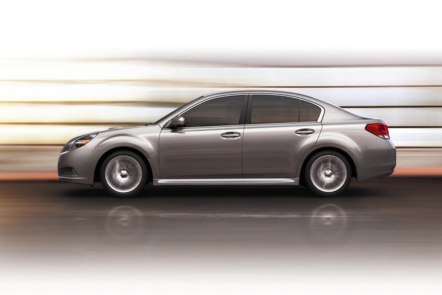 2011 Subaru Legacy Photo 2 of 20