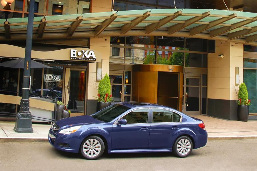 2011 Subaru Legacy Photo 3 of 20