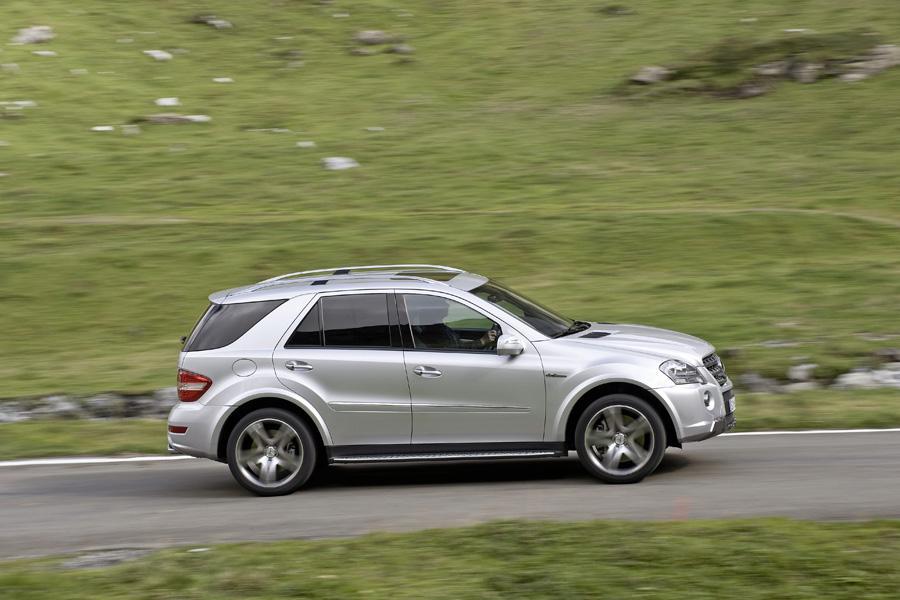 2011 Mercedes-Benz M-Class Photo 3 of 20