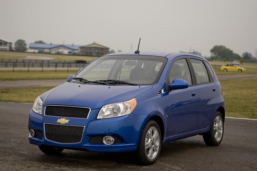 2011 chevrolet aveo overview. Black Bedroom Furniture Sets. Home Design Ideas