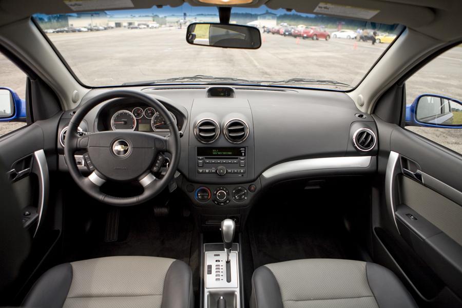 2011 Chevrolet Aveo Specs, Pictures, Trims, Colors    Cars.com