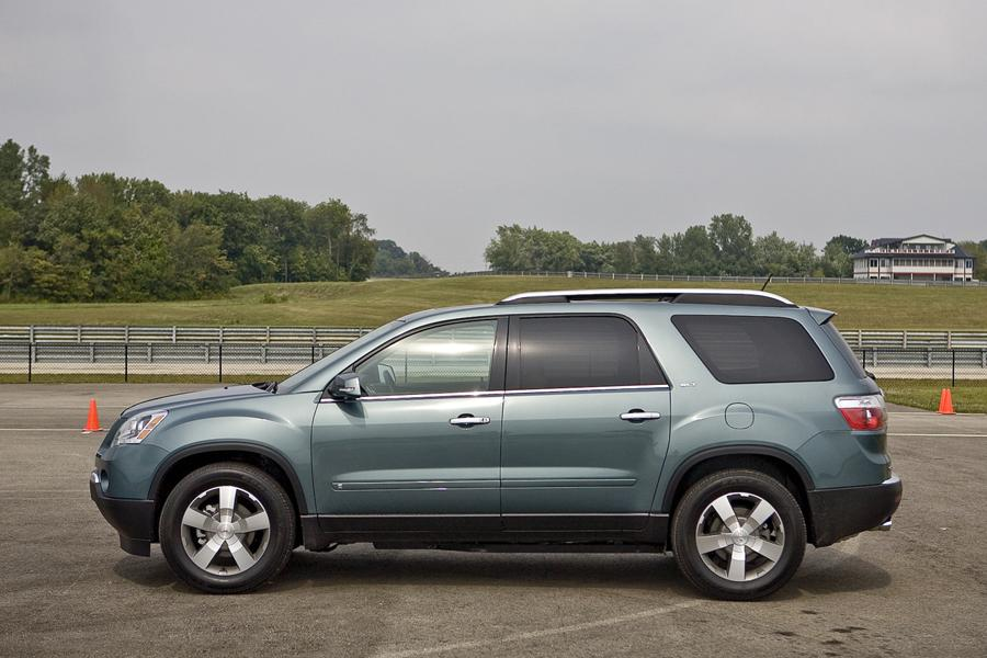 2011 GMC Acadia Photo 3 of 20