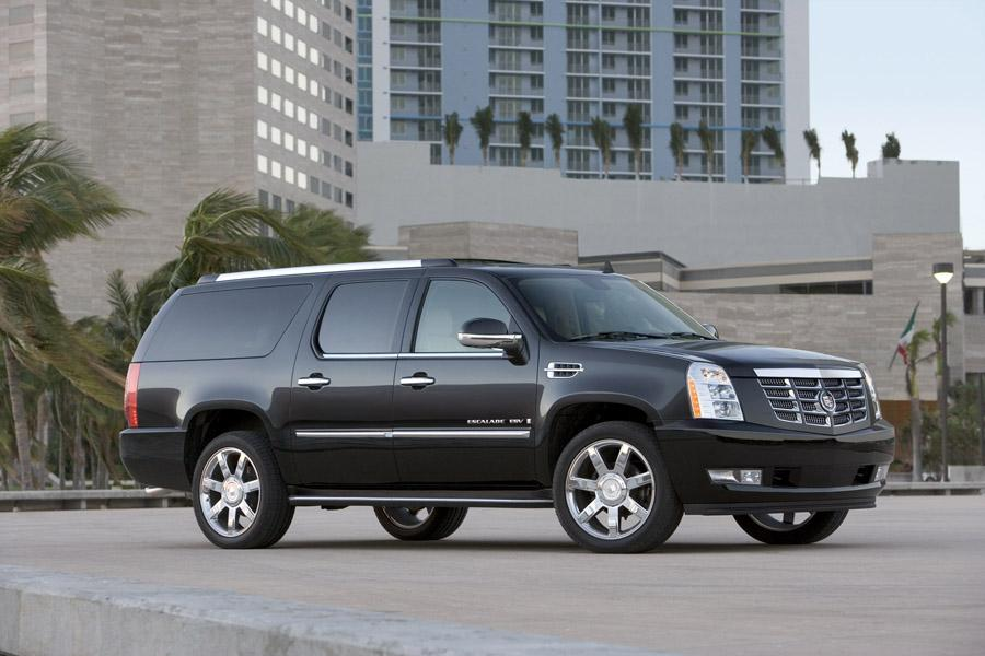 2011 Cadillac Escalade ESV Photo 4 of 7