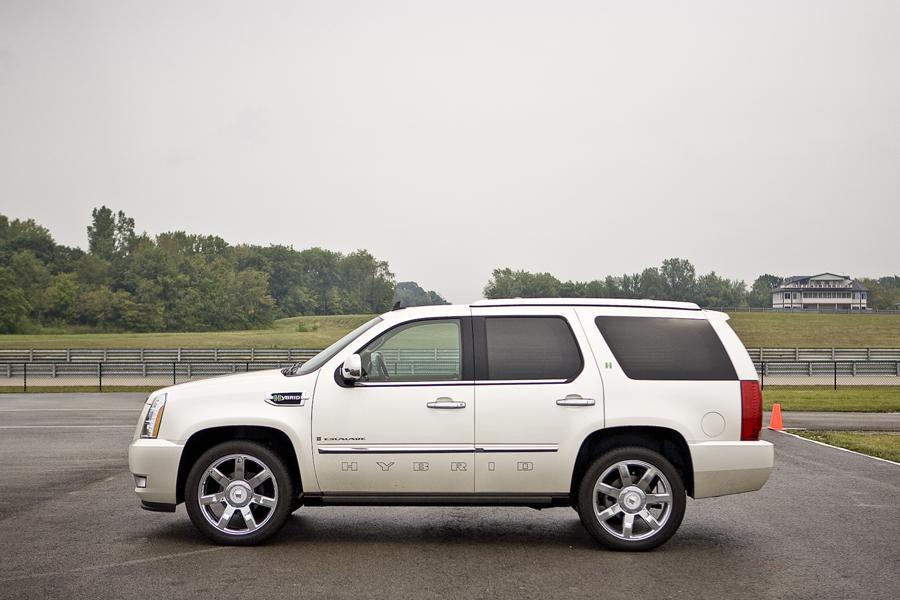 2011 Cadillac Escalade Hybrid Photo 3 of 20