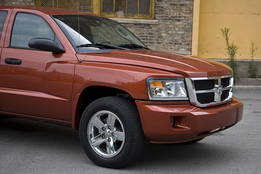 2011 Dodge Dakota Photo 4 of 21