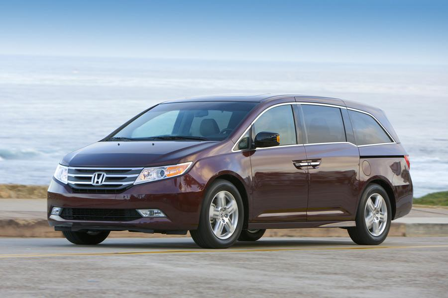 2011 Honda Odyssey Photo 4 of 20