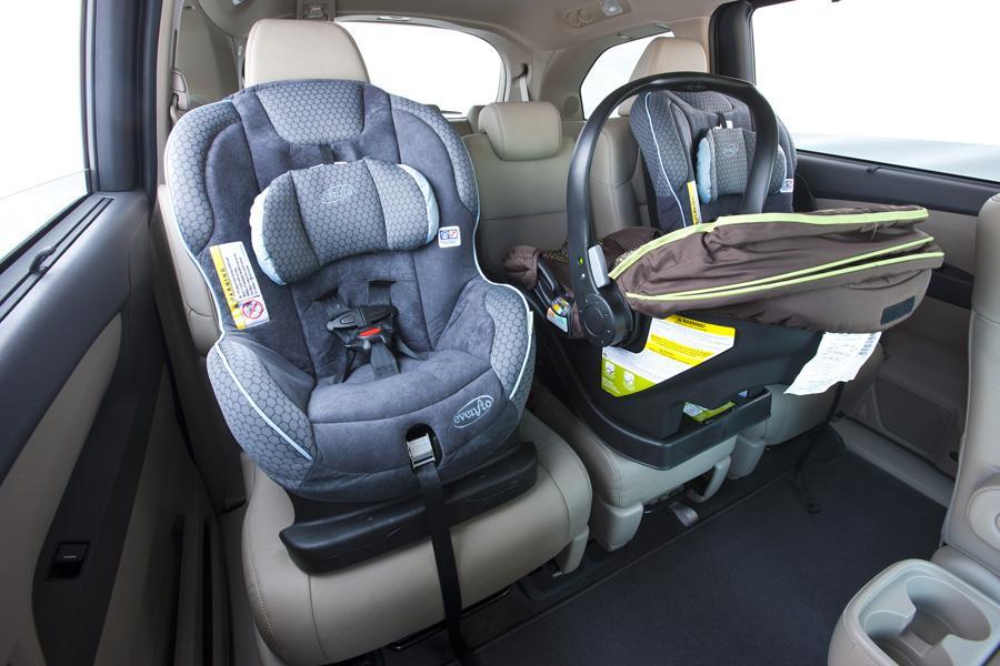 2011 Honda Odyssey Reviews Specs And Prices Cars Com