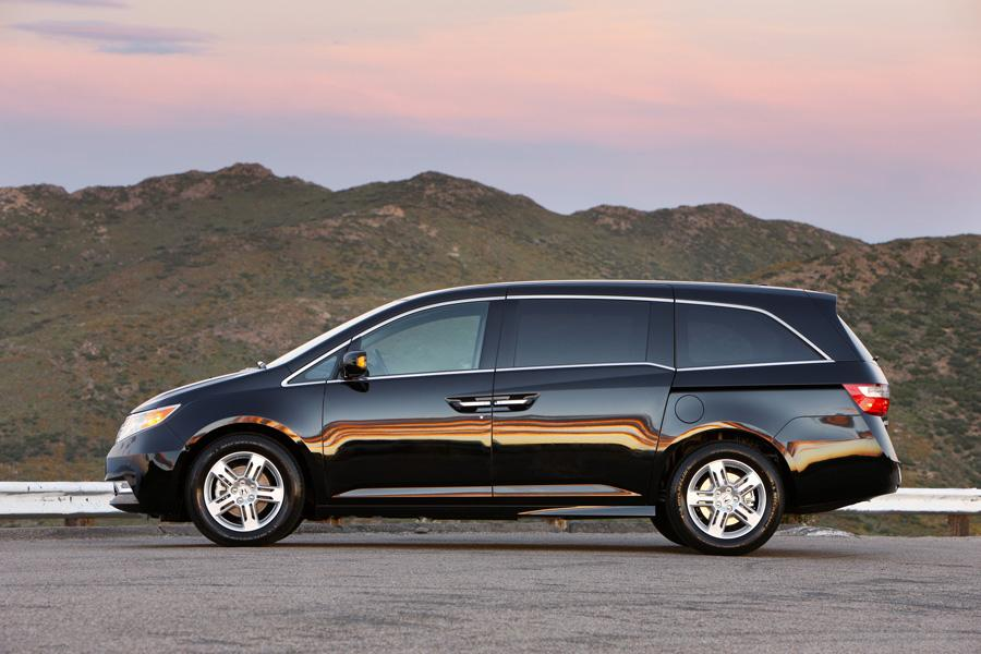 2011 honda odyssey reviews specs and prices. Black Bedroom Furniture Sets. Home Design Ideas