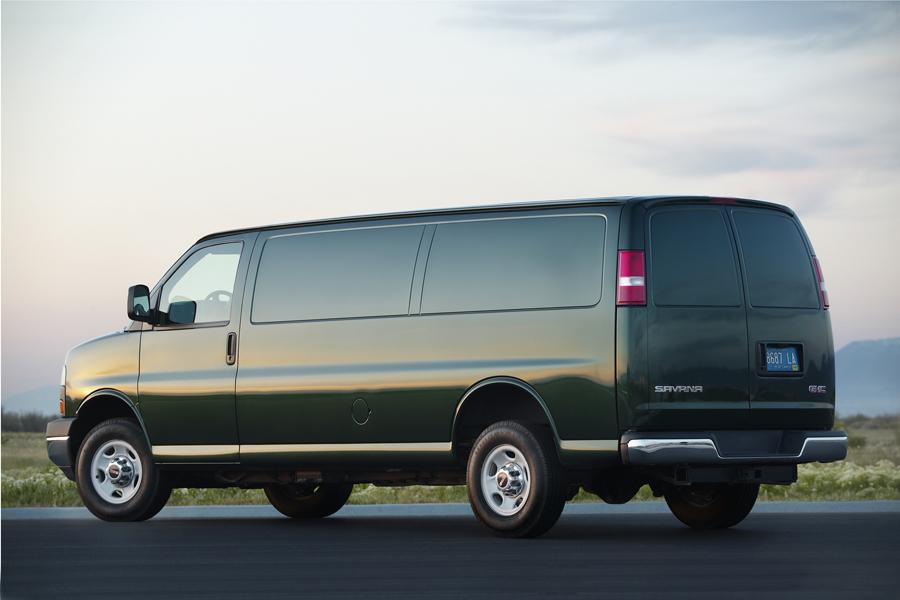 2011 GMC Savana 3500 Photo 3 of 3