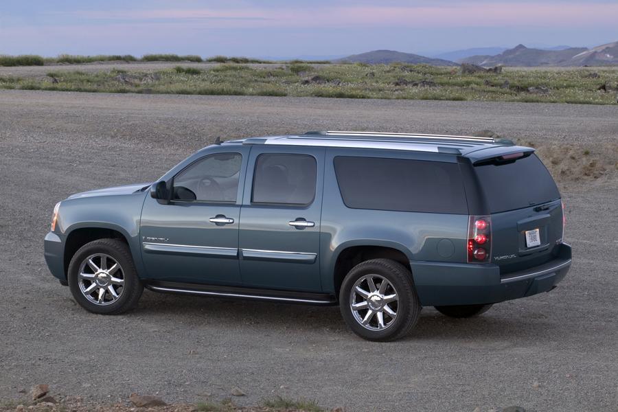 2015 Gmc Denali For Sale >> 2011 GMC Yukon XL Specs, Pictures, Trims, Colors || Cars.com