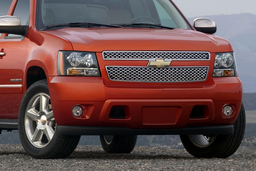 2011 Chevrolet Avalanche Photo 2 of 20