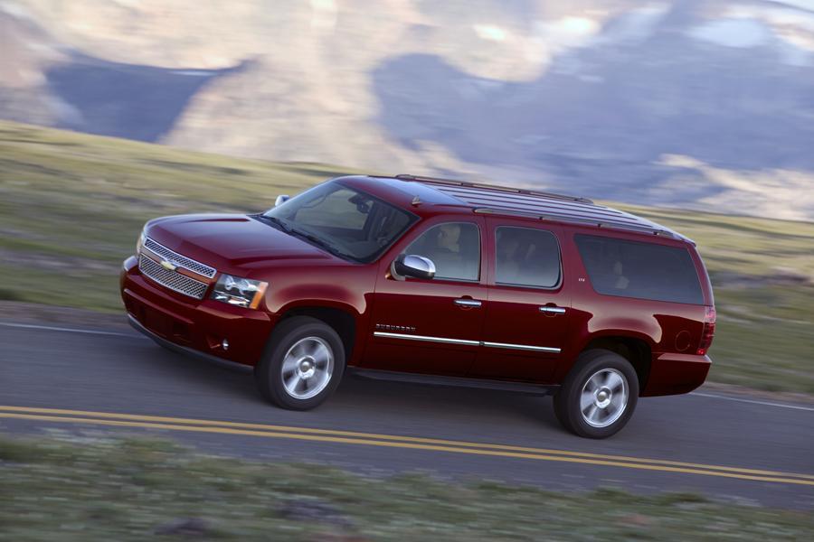 2011 Chevrolet Suburban Photo 2 of 20