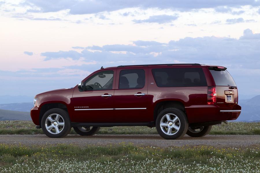 2011 Chevrolet Suburban Photo 4 of 20
