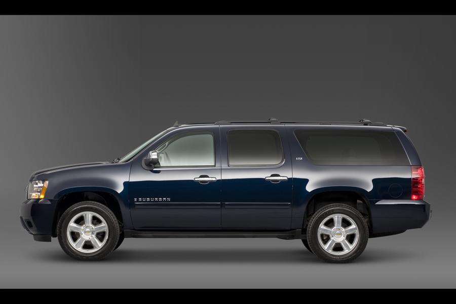 2011 Chevrolet Suburban Photo 6 of 20