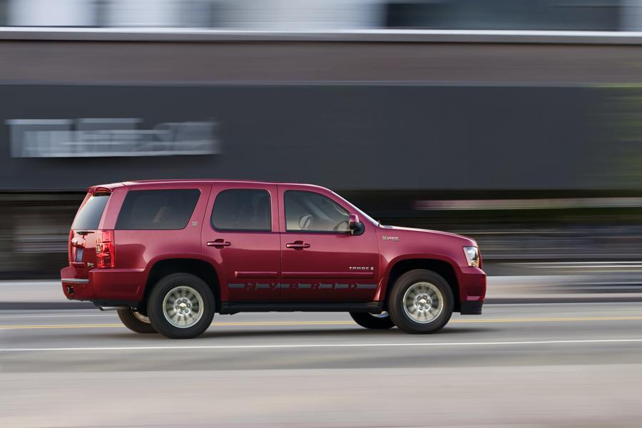 2011 Chevrolet Tahoe Hybrid Photo 2 of 22