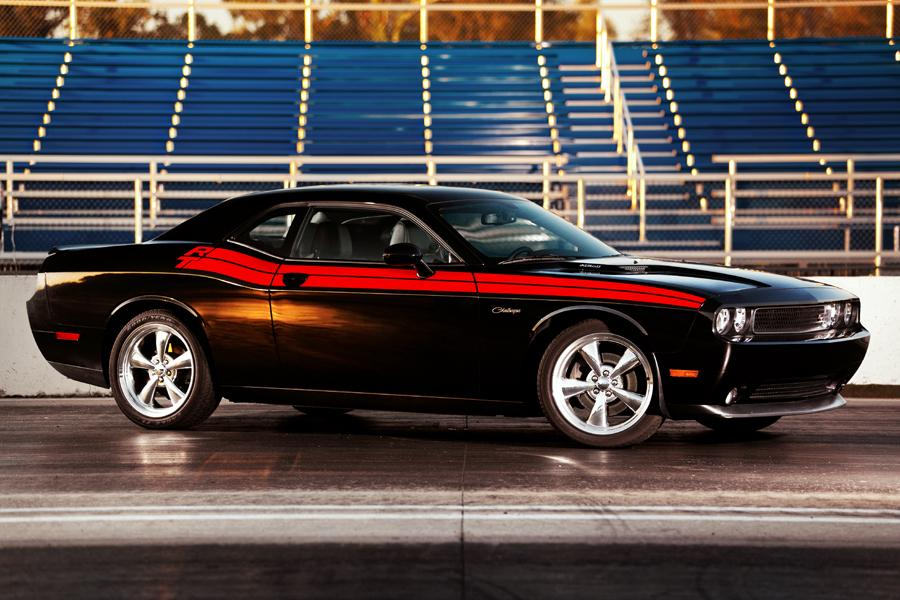 2011 Dodge Challenger Photo 2 of 20