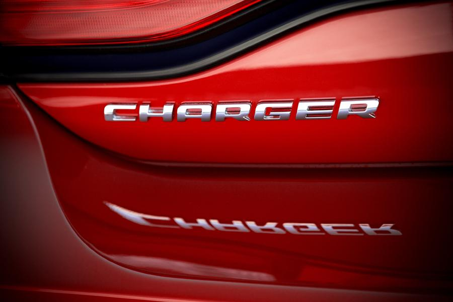 2011 Dodge Charger Photo 5 of 20