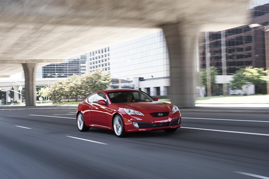 2011 Hyundai Genesis Coupe Photo 4 of 20