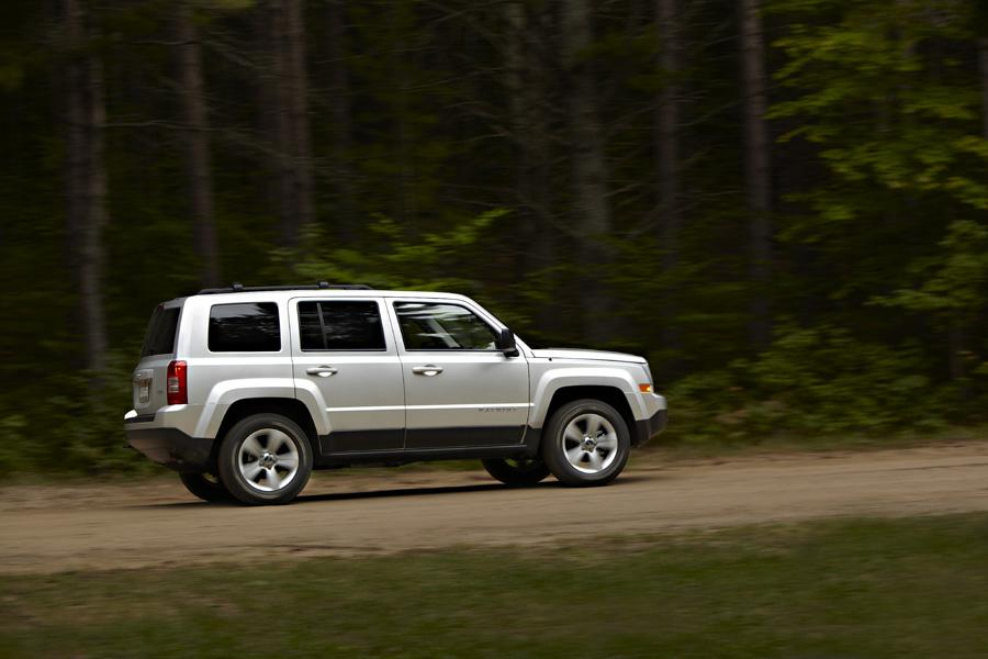 2011 jeep patriot reviews specs and prices. Black Bedroom Furniture Sets. Home Design Ideas