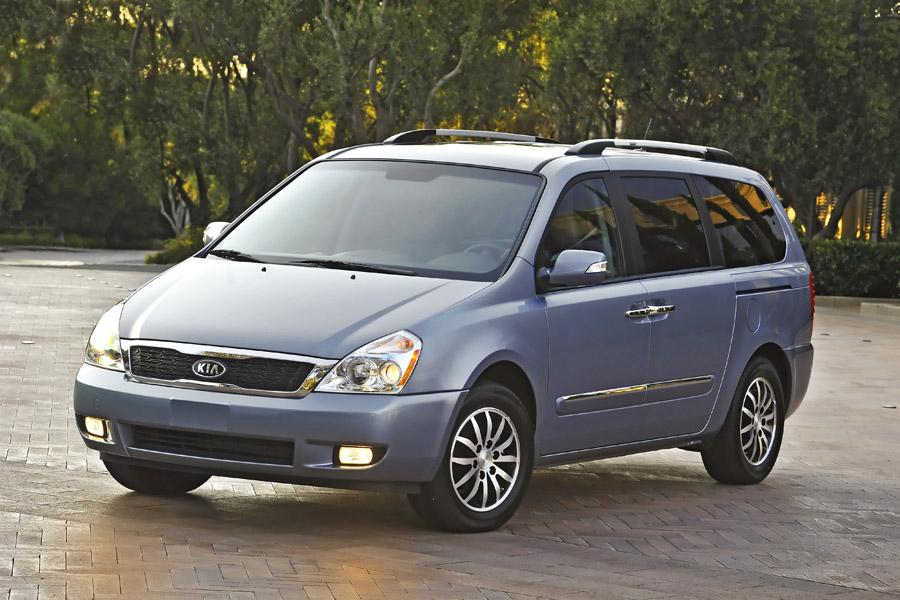 2011 Kia Sedona Photo 2 of 20