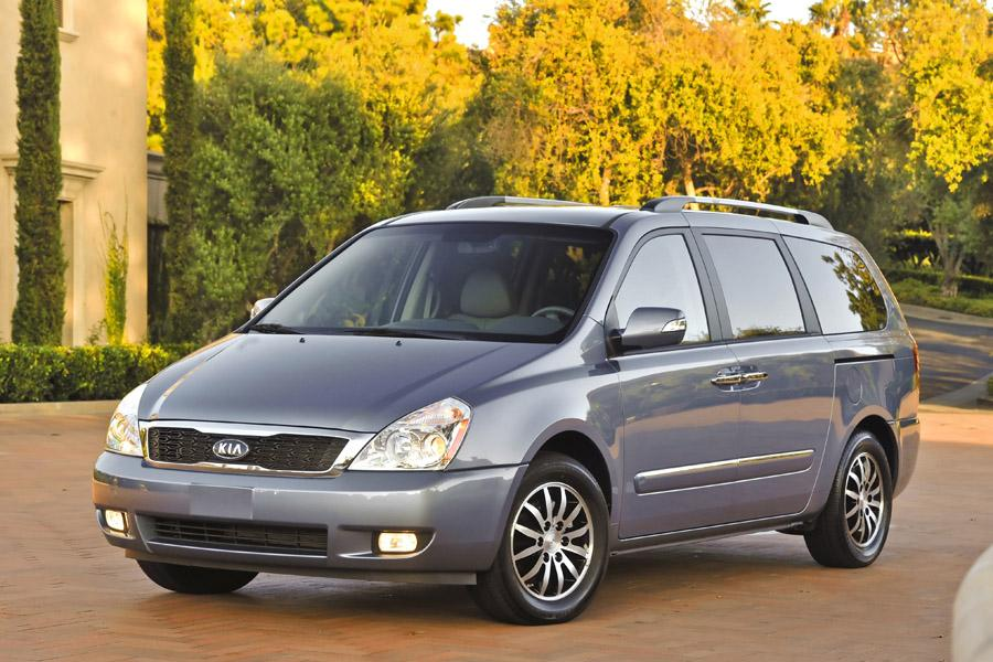 2011 Kia Sedona Photo 4 of 20