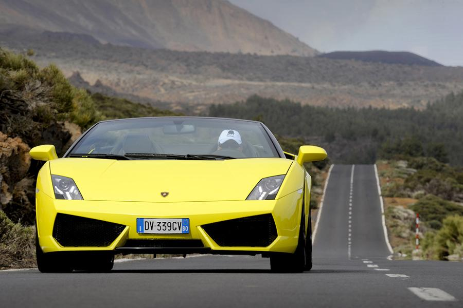 2011 Lamborghini Gallardo Photo 2 of 20