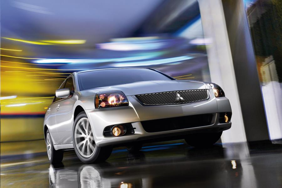 2011 Mitsubishi Galant Photo 2 of 21