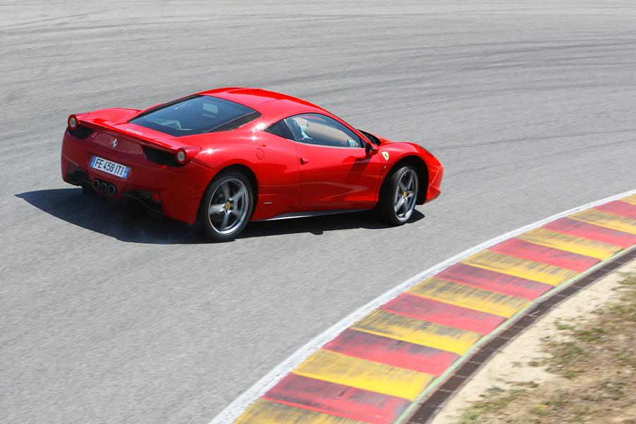 2010 Ferrari 458 Italia Photo 6 of 21