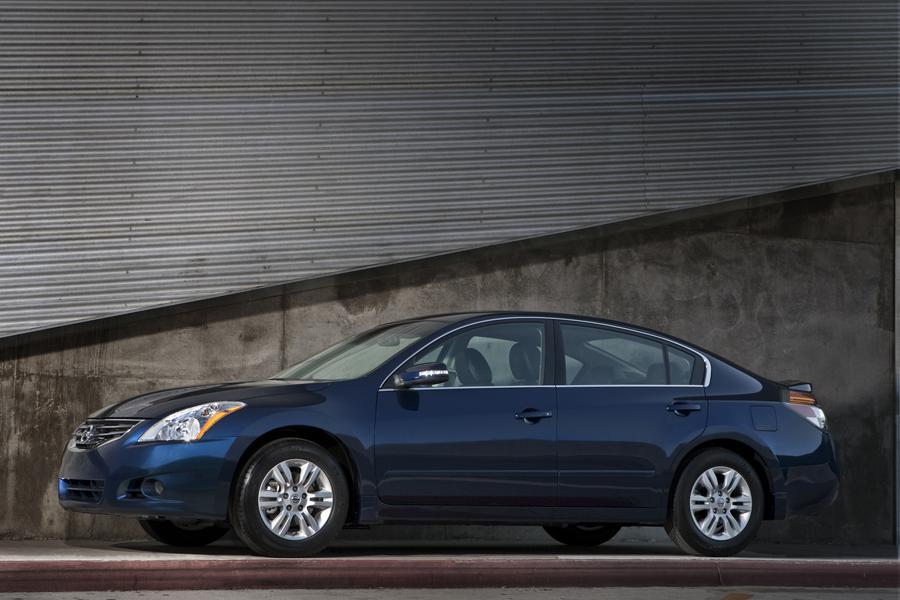 2011 Nissan Altima Overview Cars Com