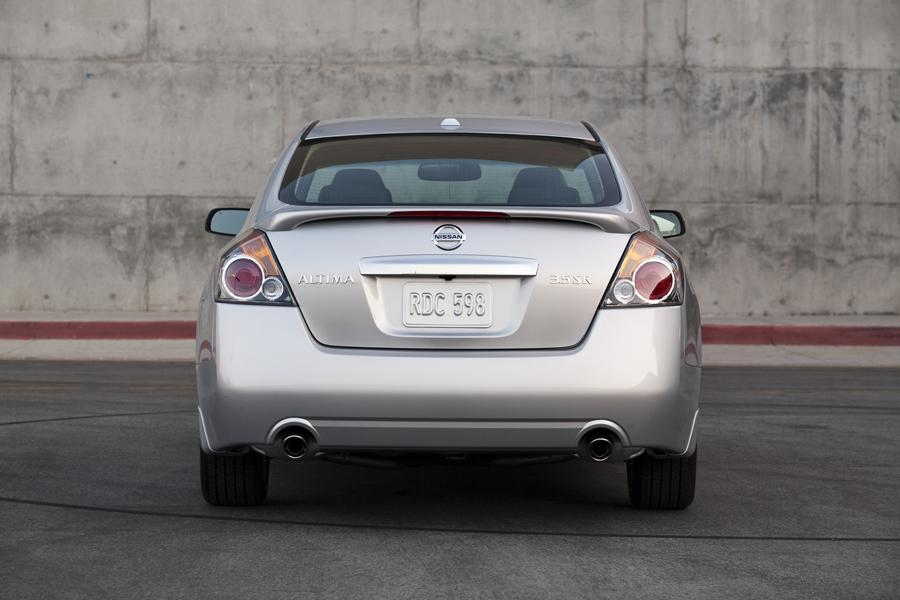 2011 nissan altima reviews specs and prices. Black Bedroom Furniture Sets. Home Design Ideas