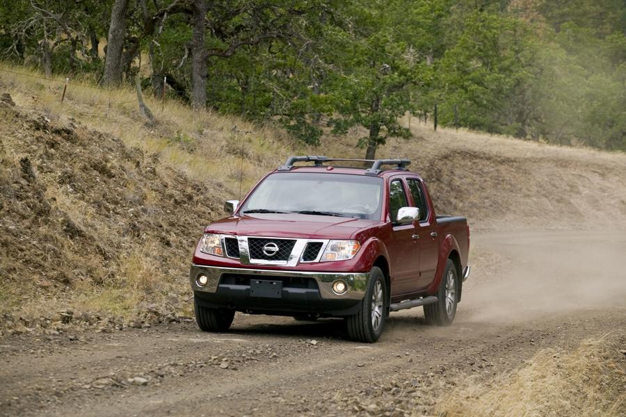 2011 Nissan Frontier Photo 2 of 21