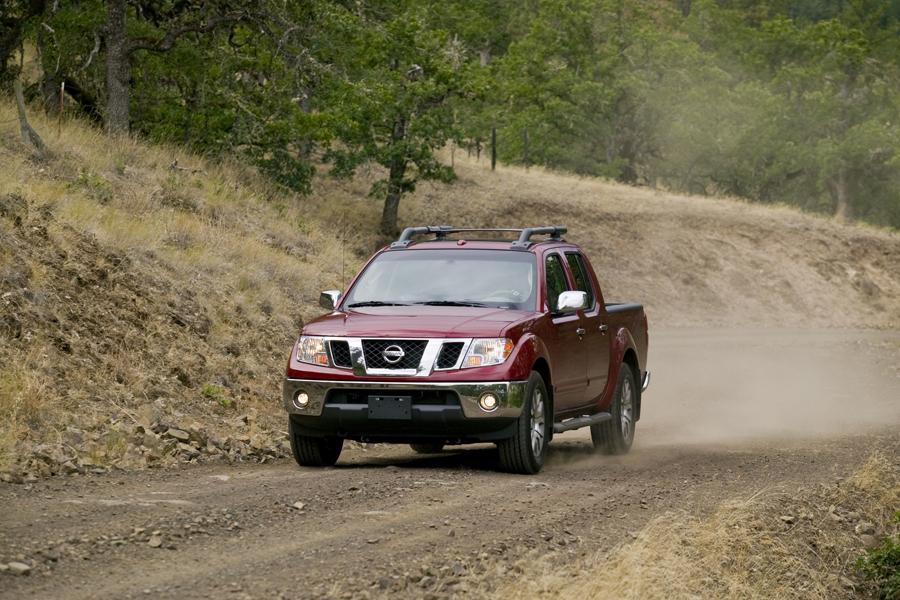 2011 Nissan Frontier Photo 3 of 21