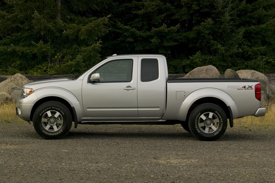 2011 Nissan Frontier Photo 4 of 21