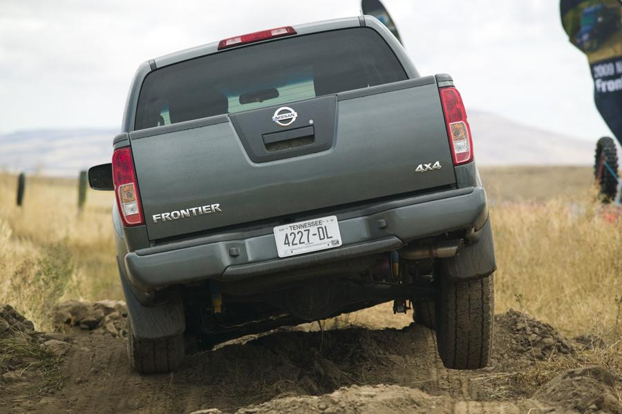 2011 Nissan Frontier Photo 6 of 21
