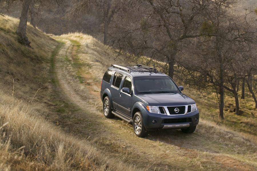 2011 Nissan Pathfinder Photo 2 of 20