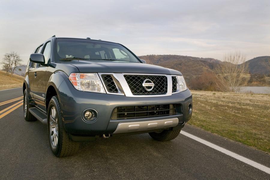 2011 Nissan Pathfinder Photo 4 of 20