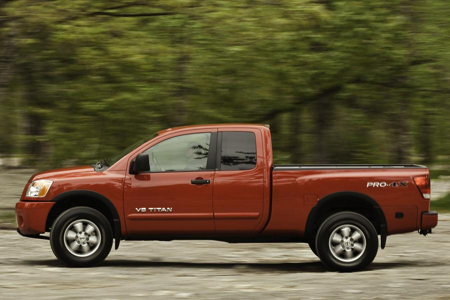 2011 nissan titan reviews specs and prices. Black Bedroom Furniture Sets. Home Design Ideas