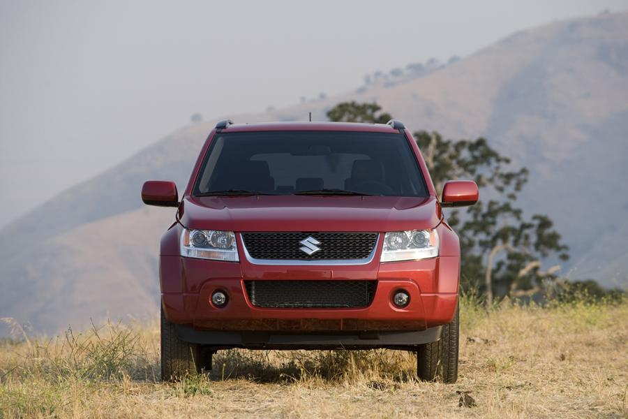 2011 Suzuki Grand Vitara Photo 4 of 20