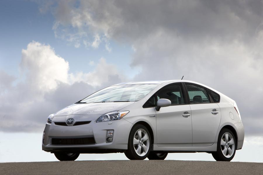 2011 Toyota Prius Photo 2 of 20